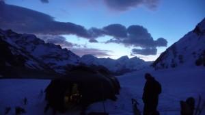 les tentes et le levé de soleil