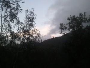 UTMB 2012 - l'aiguille d'Argentière se montre sous le soleil couchant